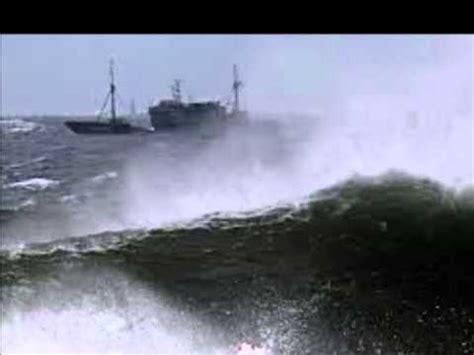 bering sea boat sinks dozens missing as s korea fishing boat sinks in bering sea