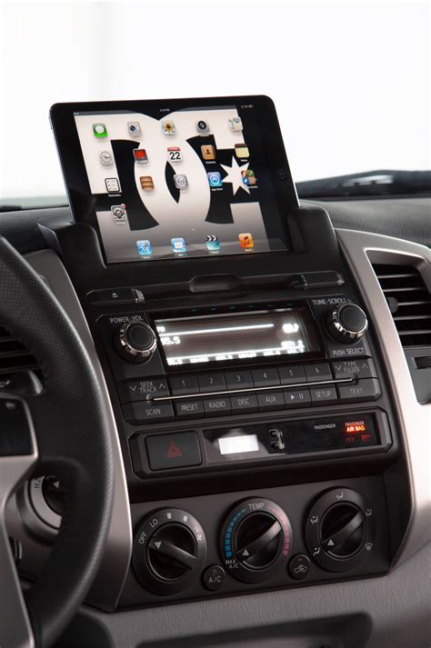 Toyota Tacoma Interior Accessories by 2014 Toyota Tacoma Reviews And Rating Motor Trend