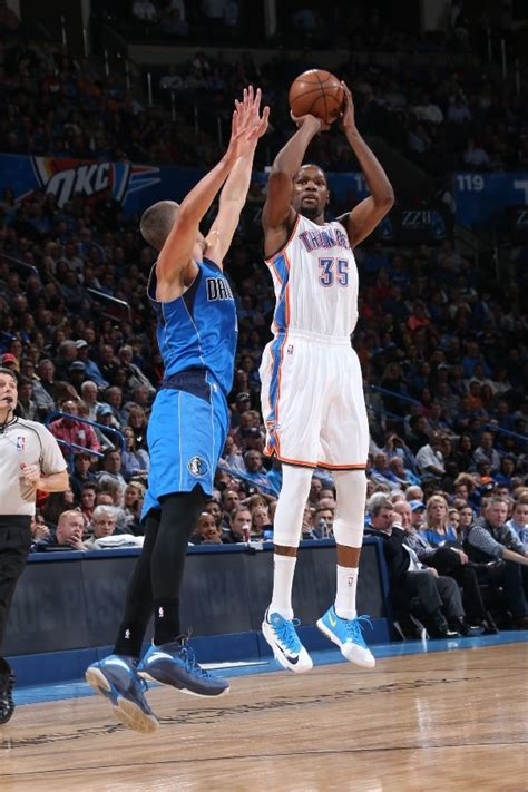 solewatch kevin durant finally wore  nike kd    quarter sole collector