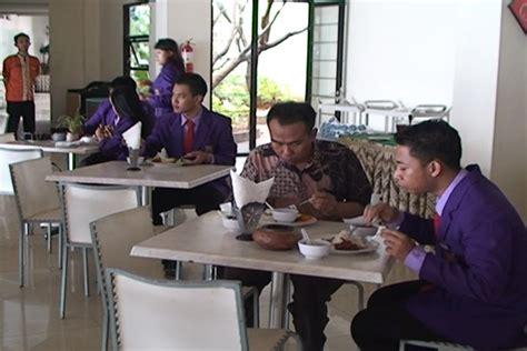 Pemasaran Perhotelan Kepariwisataan 2 Ori mahasiswa perhotelan akpar majapahit studi observasi ke tanjung kodok resort