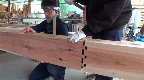 Expert Japanese Carpenters Make Wooden buildings without