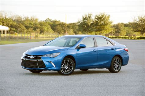 toyota camry 2017 2017 toyota camry test drive review autonation drive