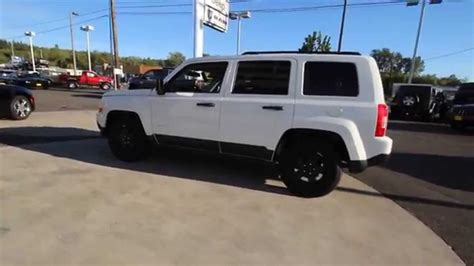 white jeep patriot 2016 2016 jeep patriot sport bright white clearcoat