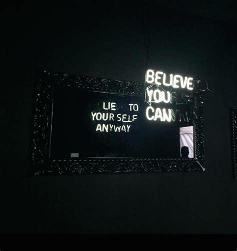 black mirror your life des slogans en n 233 ons et les miroirs 224 double sens de