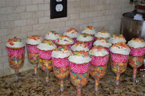 Piyama Cup Cake Sleepy Giraffe pancake and pajama s birthday ideas birthdays