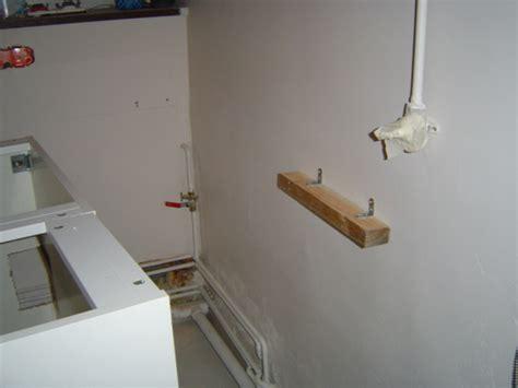 comment fixer un meuble haut de cuisine dans du placo comment fixer meuble haut cuisine ikea gallery of meuble