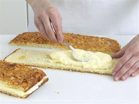 bienenstich kuchen rezept bienenstich rezept zum selbermachen lecker de