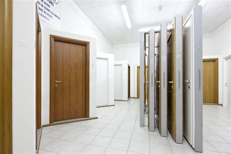 showroom porte showroom radici serramenti