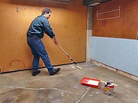 Garage Floor Paint How To Apply How To Paint A Garage Floor How Tos Diy