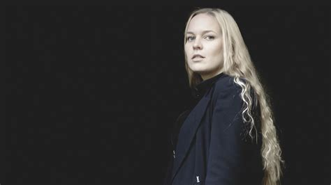 Hårfrisyrer Långt Hår by Krista Siegfrids Och Carolina Wendelin Utmanar Vegatoppen