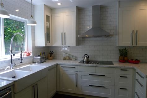 Ty Pennington by Extreme Ikea Makeover For A 1950 S Kitchen