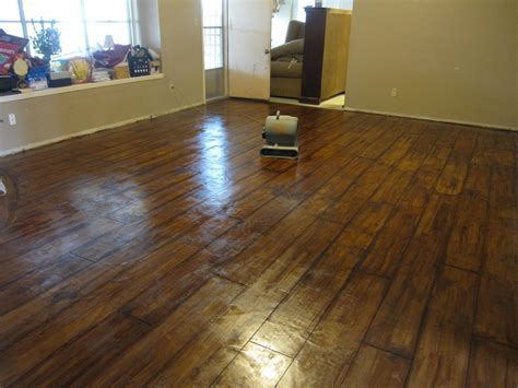 concrete stained to look like wood floor     that I want