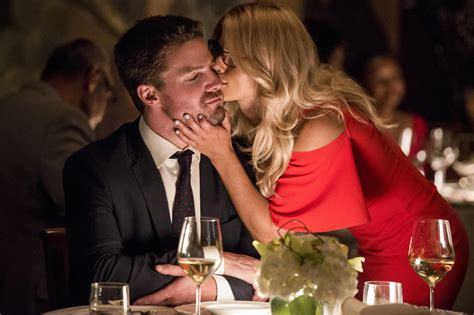 stephen amell and emily bett rickards arrow recap felicity and oliver take on caden