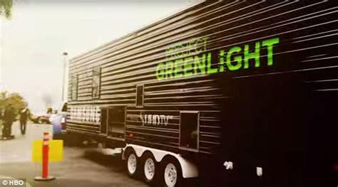 project greenlight returns to hbo for season 4 mxdwn ben affleck wears wedding ring as he joins matt damon at