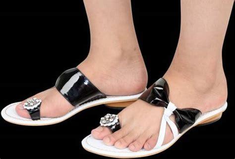 High Heels Bludru Hitam shoes yukkk silahkan dibeli hehehehe