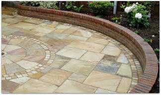 Patio Slabs by How To Lay Paving Slabs For Patios Paths And Drives