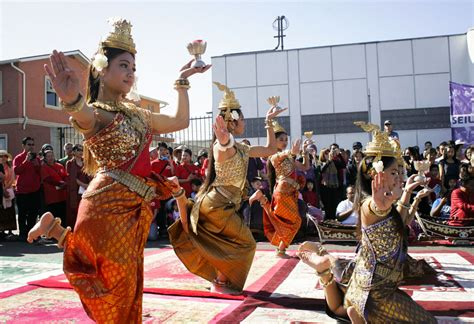 in pictures 2014 cambodian new year parade