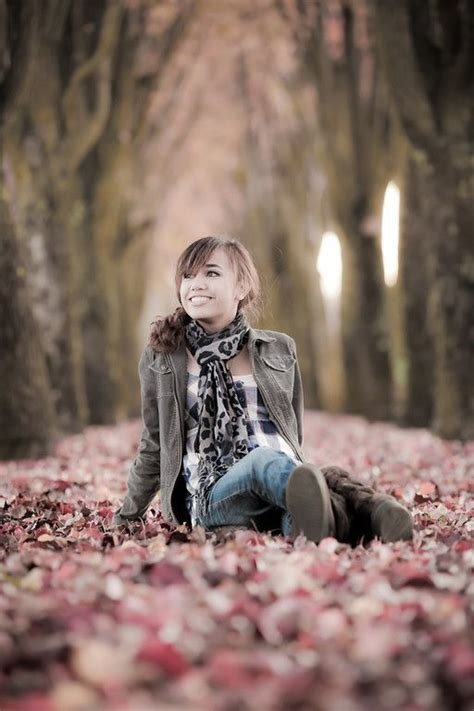 7 Fall Photo Poses by 50 Best Outdoor Fall Portraits Images On