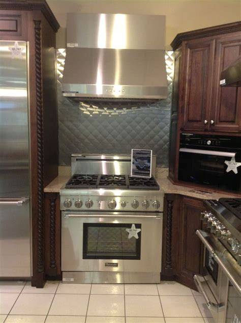 Kitchen Range Hood Ideas Thermador Range And Hood From Percys Kitchen Ideas