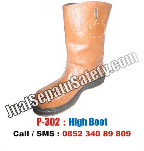 Sepatu Boot Proyek Murah p 302 sepatu high boots safety termurah untuk proyek dan