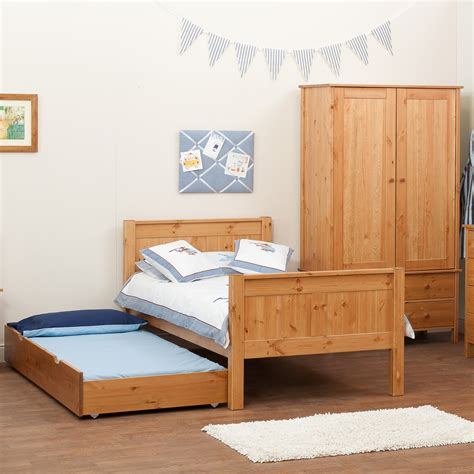 white and pine bedroom furniture white painted pine bedroom furniture