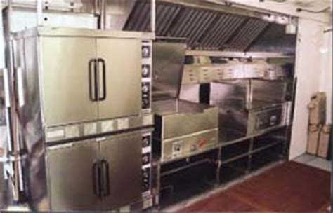 Containerized Kitchen by Home Cooking In The Field