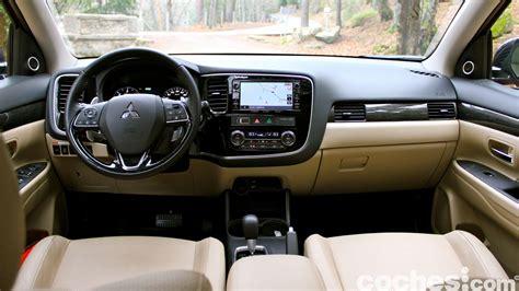 Outlander Mitsubishi Interior by Mitsubishi Outlander 2016 Di 233 Sel 4wd Kaiteki A Prueba