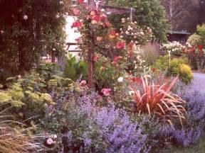 Borders For Flower Gardens Garden Border Pictures