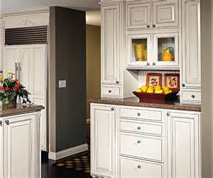 Off White Kitchen Cabinets With Glaze Off White Glazed Cabinets In Traditional Kitchen Decora