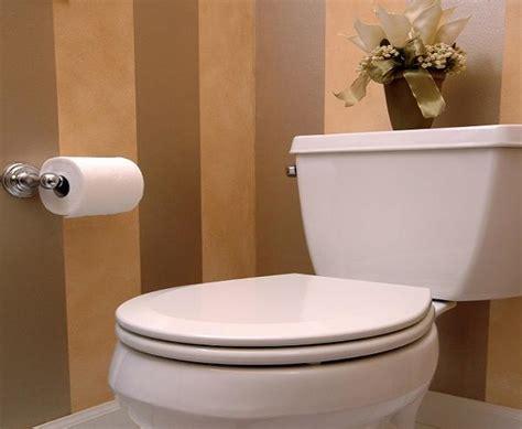 togliere le piastrelle togliere piastrelle bagno great per eliminare il calcare