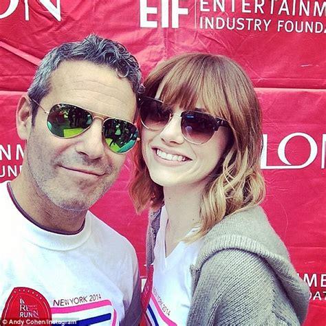 emma stone official instagram emma stone poses for selfie with eif revlon run walk co