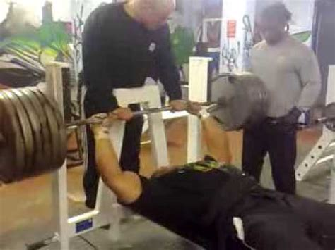 how can i bench press more zack khan bench pressing youtube