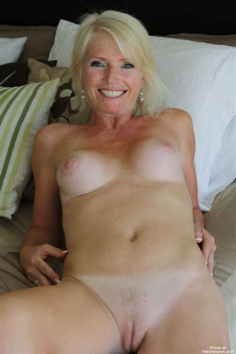 Watchersweb Amateur Milf Voyeur Amateur Milf Free Free Mrs Veuve S Bedroom Strip
