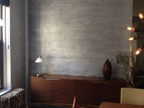 best wall color to showcase art 25 best ideas about painting concrete walls on pinterest
