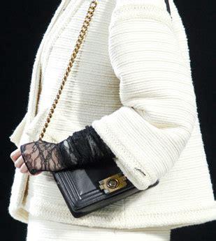 Fashion Week Ankle Purses At Chanel by Fashion Week Handbags Chanel Fall 2011 Purseblog