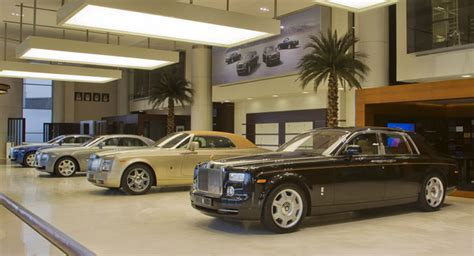 rolls royce dealership rolls royce opens its largest dealership in the world in