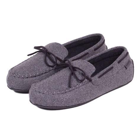 slippers mens isotoner mens woven check moccasin slippers ebay
