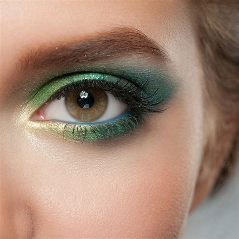 Eyeshadow Green how to pull green eyeshadow