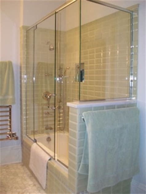 Enclosed Bathtubs by Glass Enclosed Bathtub For The Home