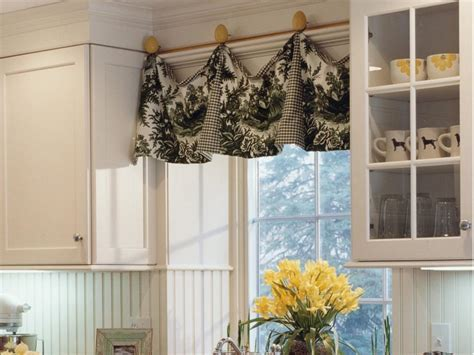 Adding Color and Pattern With Window Valances   HGTV