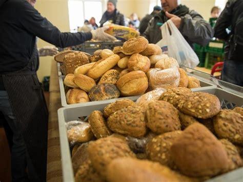 tafel bremerhaven tafeln versorgen immer mehr rentner mit essen inland