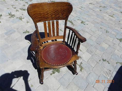 quilt chest  rocking chair save  phillip butler