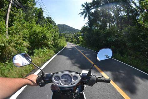 Motorrad Fahren Mit Autoführerschein Strafe by Roller Motorrad Fahren Auf Der Insel Koh Chang Alle