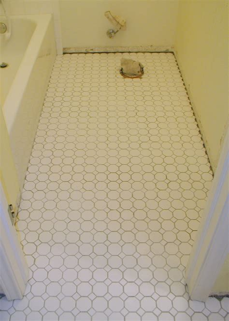 Laminate Bathroom Flooring 30 Magnificent Pictures Bathroom Flooring Laminate Tile Effect