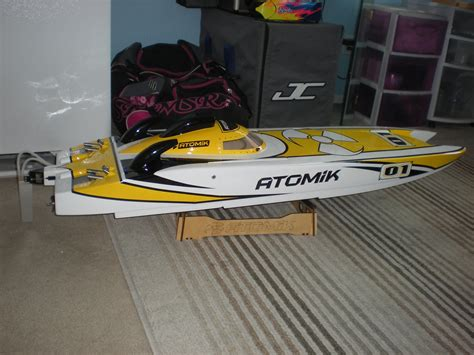 atomik 58 rc boat used atomik arc 58in rtr electric brushless rc boat r c