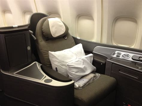 United Airlines Global First 747 Honolulu - Tokyo Ariana Manufactured Spending On Gift Cards