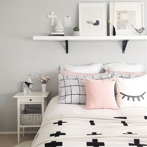 clean teenage bedroom best 25 black white pink ideas on pinterest black white