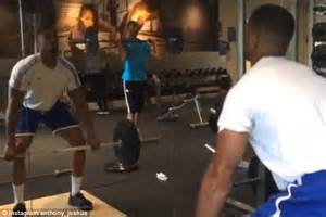 boxers bench press anthony joshua lifts heavy just days after making light