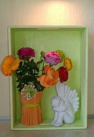 kisten dekorieren holzkiste dekoriert mit blumen und einem engel