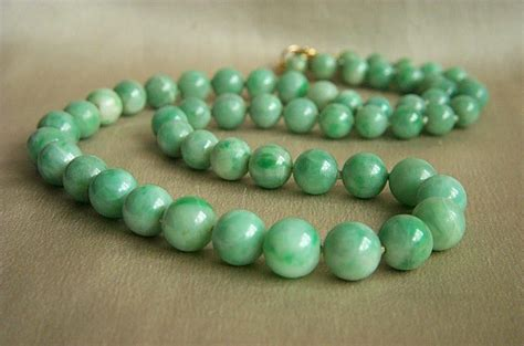 antique jade bead necklace fabulous 14k antique jadeite jade bead necklace 18